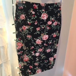ROSE PRINTED SKIRT (goes with crop top)